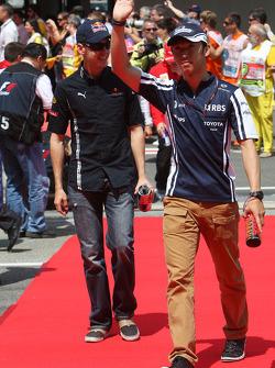 Kazuki Nakajima, Williams F1 Team and Sebastian Vettel, Red Bull Racing