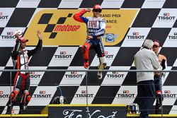 Podium: race winner Jorge Lorenzo, Fiat Yamaha Team, second place Marco Melandri, Hayate Racing Team, third place Dani Pedrosa, Repsol Honda Team