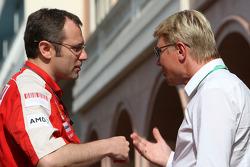 Stefano Domenicali, Scuderia Ferrari, Sporting Director, Mika Hakinen