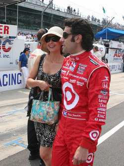Ashley Judd and Dario Franchitti walk down the pit lane before the 93rd Indianapolis 500