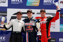 Podium: Carlos Iaconelli, Robert Wickens and Kazim Vasiliauskas