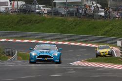 #7 Aston Martin V12 Vantage: Ulrich Bez, Chris Poritt, Wolfgang Schuhbauer