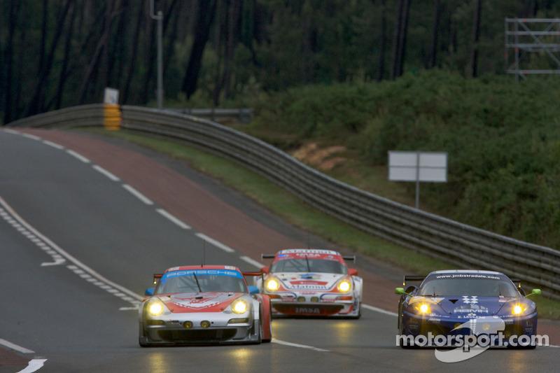 #80 Flying Lizard Motorsports Porsche 911 GT3 RSR: Jorg Bergmeister, Darren Law, Seith Neiman, #99 JMB Racing Ferrari F430 GT: Christophe Bouchut, Manuel Rodrigues, Yvan Lebon