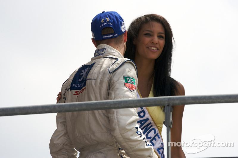 LMP1 podium: Sébastien Bourdais kisses Miss France