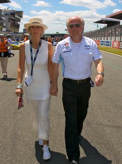 David Richards walks to starting grid