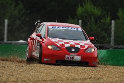 Marin Colak, Colak Racing Team Ingra, Seat Leon 2.0 off the track