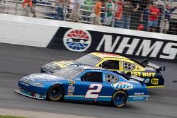 Kurt Busch, Penske Racing Dodge, Elliott Sadler, Richard Petty Motorsports Dodge