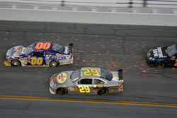 David Reutimann, Michael Waltrip Racing Toyota and Kevin Harvick, Richard Childress Racing Chevrolet