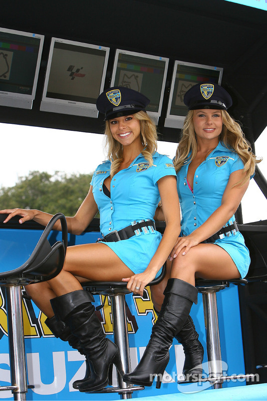 The lovely Rizla Suzuki MotoGP girls at US GP