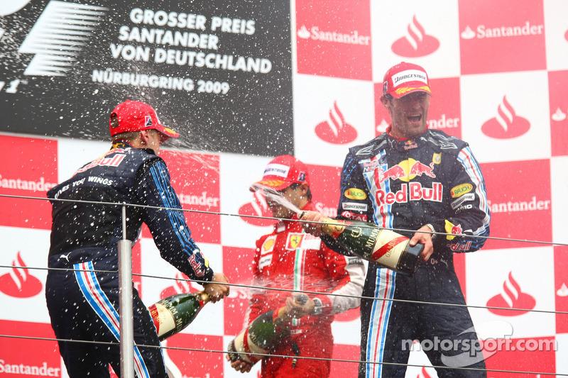 Podium: race winner Mark Webber, Red Bull Racing, second place Sebastian Vettel, Red Bull Racing celebrate with champagne