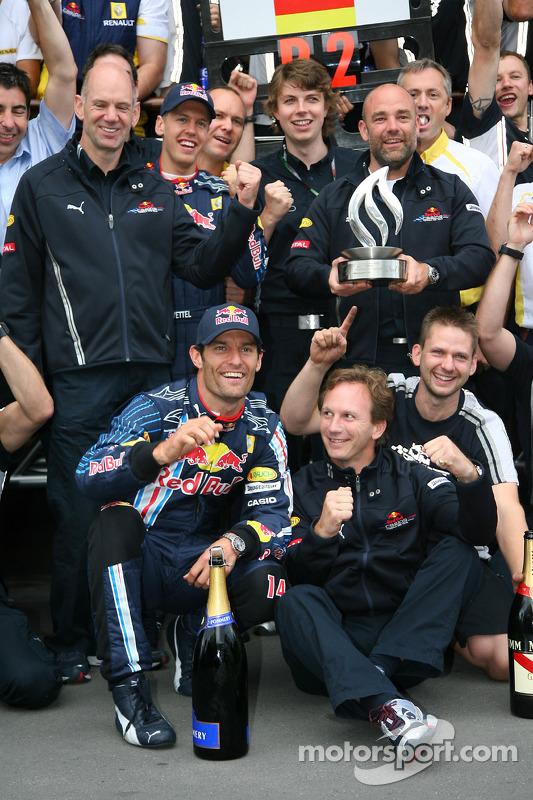 Race winner Mark Webber, Red Bull Racing celebrates with his team and Sebastian Vettel, Red Bull Rac