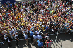 Valentino Rossi, Fiat Yamaha Team signs autographs to the fans