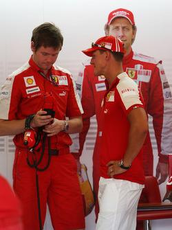 Rob Smedly, Scuderia Ferrari, Track Engineer of Felipe Massa, Michael Schumacher, Test Driver, Scuderia Ferrari