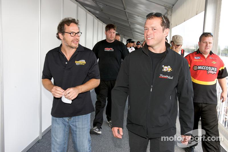 Drivers and crew chiefs meeting: Jacques Villeneuve and Jean-François Dumoulin