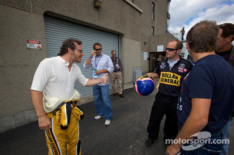 Jacques Villeneuve heads to drivers introduction