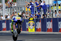 Valentino Rossi, Fiat Yamaha Team takes the checkered flag