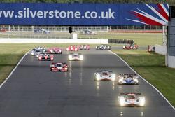 Start: #007 Aston Martin Racing Lola Aston Martin: Jan Charouz, Tomas Enge, Stefan Mücke leads the field
