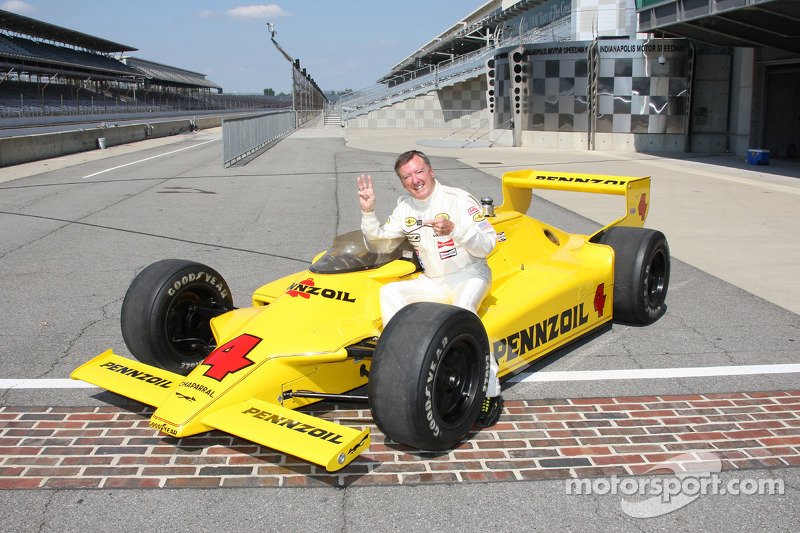 Johnny Rutherford with Barnard's first masterpiece, the Chaparral 2K, with which he won the 1980 Indy 500 and Indy car series title.