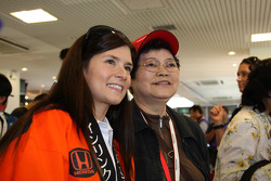 Danica Patrick, Andretti Green Racing with fans