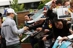 Nico Rosberg, Mercedes AMG F1 Team con fans
