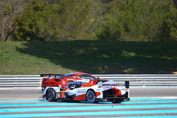 #5 Toyota Racing Toyota TS050 Hybrid: Anthony Davidson, Sébastien Buemi, Kazuki Nakajima spins