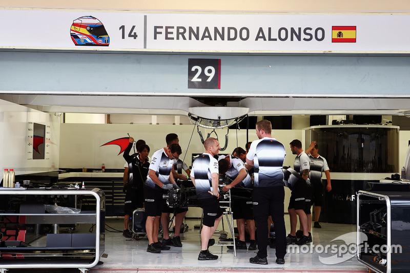 El garaje de Fernando Alonso, McLaren