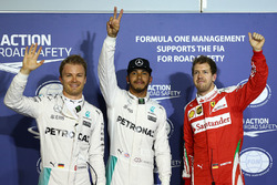 Ganador de la pole Lewis Hamilton, Mercedes AMG F1 Team, segundo lugar Nico Rosberg, Mercedes AMG F1 Team, tercer lugar Sebastian Vettel, Ferrari