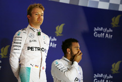 Подиум: победитель гонки - Нико Росберг, Mercedes AMG F1 и третье место - Льюис Хэмилтон, Mercedes AMG F1