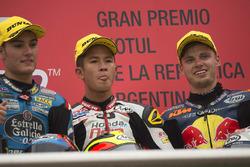 Il vincitore Khairul Idham Pawi, secondo Jorge Navarro, Estrella Galicia 0,0, terzo Brad Binder, Red Bull KTM Ajo