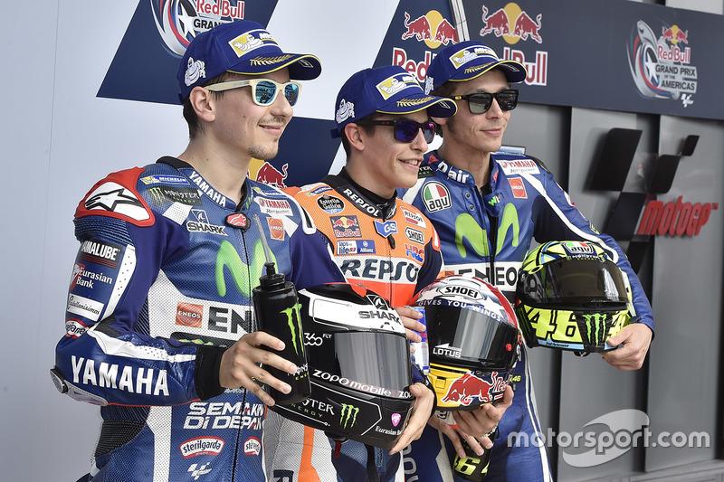 Calificación primer lugar Marc Márquez, del equipo Repsol Honda, Jorge Lorenzo, Yamaha Factory Racing, tercero Valentino Rossi, Yamaha Factory Racing el segundo lugar