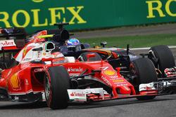 Kimi Raikkonen, Ferrari SF16-H and Max Verstappen, Scuderia Toro Rosso STR11