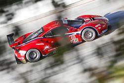 #68 Scuderia Corsa, Ferrari 488 GTE: Alessandro Balzan, Daniel Serra