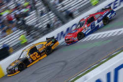 Brendan Gaughan, Richard Childress Racing Chevrolet, und Darrell Wallace Jr., Roush Fenway Racing Ford