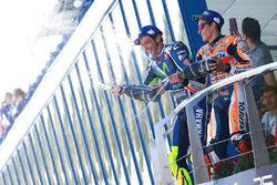 Podium: winnaar Valentino Rossi, Yamaha Factory Racing, 3e plaats Marc Marquez, Repsol Honda Team