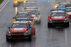 Yarış başlangıcı; José María López, Citroën World Touring Car Takımı, Citroën C-Elysée WTCC lider