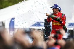 Podium: winner Lucas di Grassi, ABT Schaeffler Audi Sport celebrates with champagne