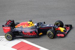 Daniel Ricciardo, Red Bull Racing RB12 con Aero Screen