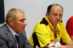 Boris Rotenberg, SMP Bank and SGM Group Co-Owner and Frederic Vasseur, Renault Sport F1 Team Racing Director