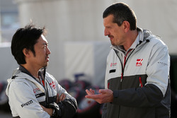 Ayao Komatsu, Haas F1 Team and Guenther Steiner, Haas F1 Team Prinicipal