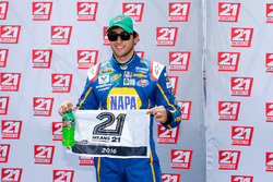 Ganador de la pole Chase Elliott, Hendrick Motorsports Chevrolet