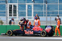 Макс Ферстаппен, Scuderia Toro Rosso STR11 сходит с гонки
