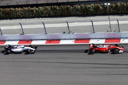 Kimi Raikkonen, Ferrari SF16-H leads Valtteri Bottas, Williams FW38