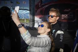 Nico Rosberg, Mercedes AMG F1 Team con i fan