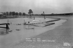 1933 Indy 500 Yoğun yağış
