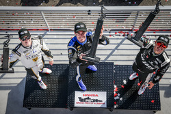 Podio: ganador Simon Pagenaud, Equipo Penske Chevrolet, segundo lugar tercer lugar Graham Rahal, Rahal Letterman Lanigan Racing Honda, Josef Newgarden, Ed Carpenter Racing Chevrolet