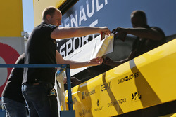 Renault Sport F1 Team paddock preparations