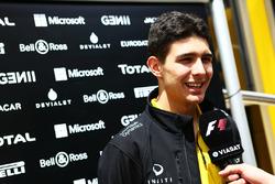 Esteban Ocon, Test Driver Renault Sport F1 Team con i media