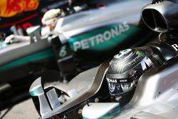 Nico Rosberg, Mercedes AMG F1 W07 Hybrid and team mate Lewis Hamilton, Mercedes AMG F1 W07 Hybrid in parc ferme