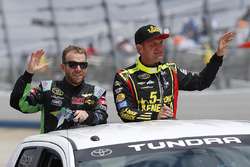 Regan Smith, Tommy Baldwin Racing Chevrolet, Clint Bowyer, HScott Motorsports Chevrolet