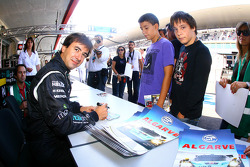 Miguel Ramos at the autograph session